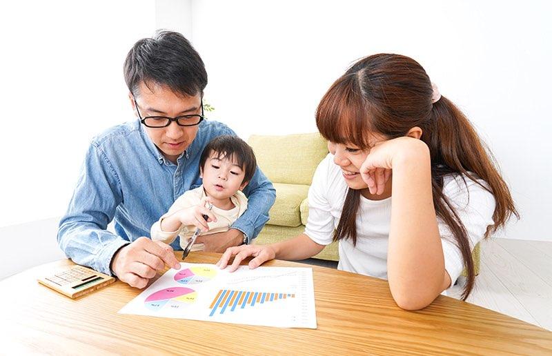 家計簿をアプリで共有するメリットや、アプリの選び方をご紹介します